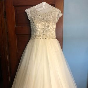 Henry Roth Wedding Dress